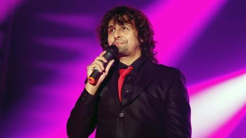 Sonu Nigam in soup after protesting mosque's azaan
