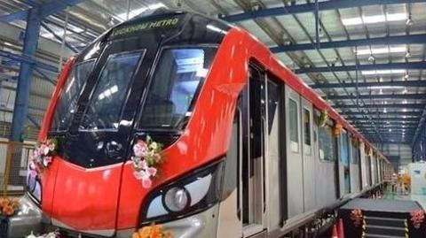 Troubles galore on Lucknow Metro's first day of operations