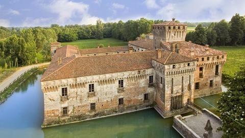 Italy is giving away historic properties for free!