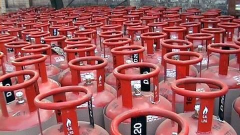 India offers Nepal Ujjwala-like LPG scheme