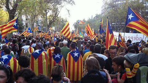 Catalonia: Spain announces plans to hold fresh elections