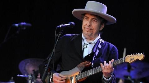 Bob Dylan accused of plagiarism in Nobel acceptance speech