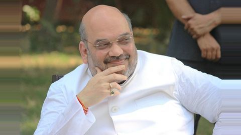 With eyes on Yadav votes, Shah dines at party-worker's house