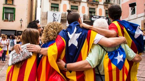 #CatalanCrisis: Madrid says Puigdemont is welcome to run for elections