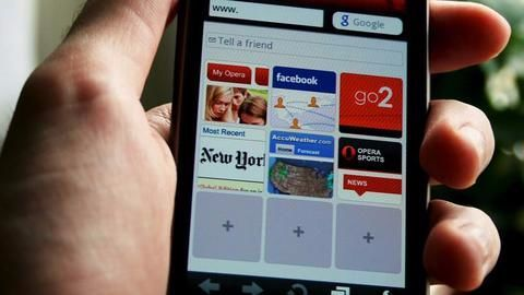 Opera brings AI-based news feed for Indian iPhone users