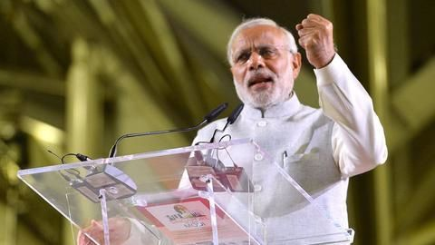 Modi urges Indians to change their current mindset about digitization