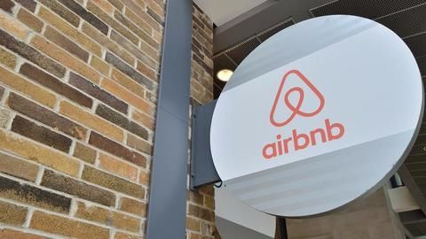 Airbnb's faulty online security plagues its 'hosts'