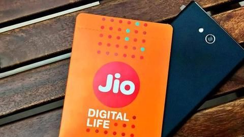 Jio is downloading success faster than its competitors