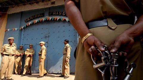 Police recover 21 mobiles during day-long search at Bhondsi jail