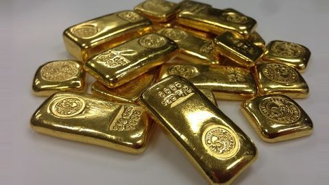 Jet Airways employee held for smuggling gold at Mangaluru airport