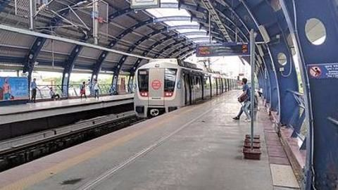 Delhi Metro launches QR code facility to buy metro tokens