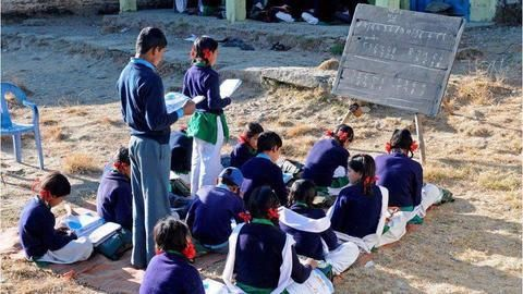 Uttarakhand Government schools to teach in English
