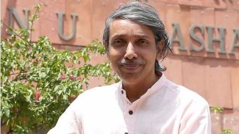 Tank on JNU campus equivalent to 'love for Army': VC