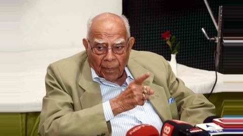 Jethmalani calls it quits as Kejriwal's counsel