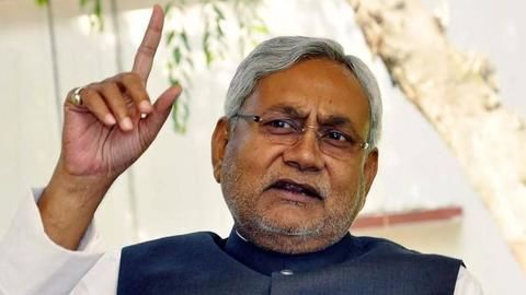 Nitish accepts Gujarat Government's help for flood relief