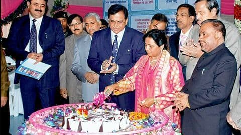 How can you personally meet Mayawati on birthday?