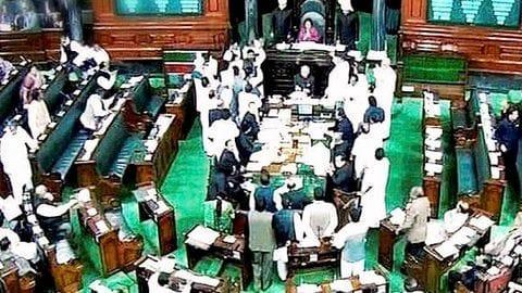 Congress protests PM Modi insulting ex-PM Manmohan Singh