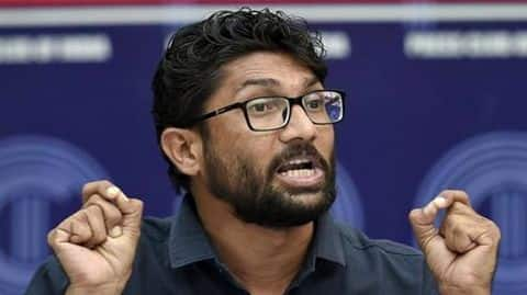"Jignesh Mevani holds ""Hunkar Rally"" in Delhi despite no permission"