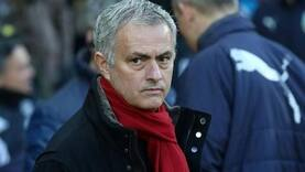 Mourinho says Manchester United should invest more