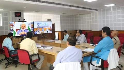 PM video calls CMs, promotes staggered relaxation after lockdown ends