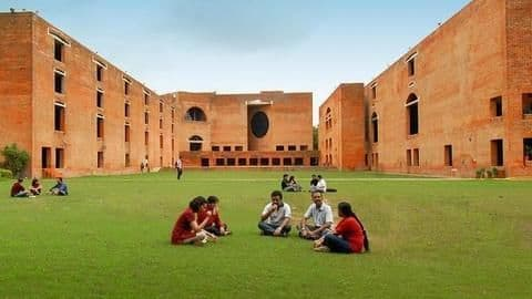 More non-engineers take admissions in IIM-A this year