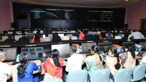 #Chandrayaan2: In major heartbreak, Vikram lander loses communication with ISRO