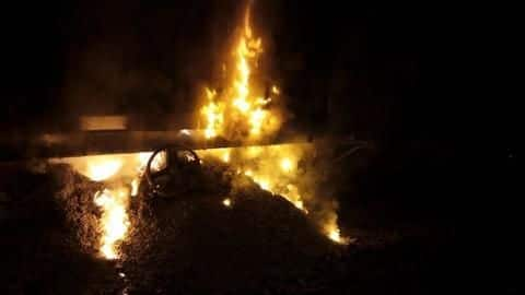 Maharashtra: Traffic hit after two wagons of goods-train catches fire