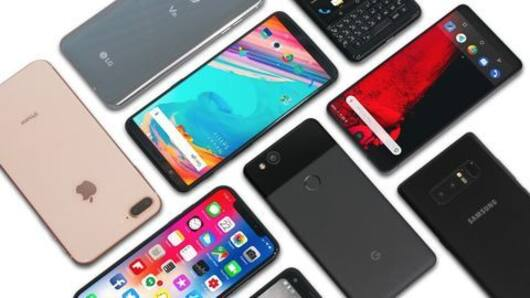 Best smartphone deals available on Flipkart and Amazon
