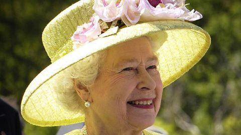 Modi's lunch with Queen, discussions with Cameron