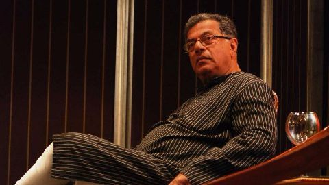 Death threat to Karnad over Tipu comment, apologizes
