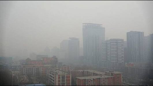 Beijing chokes in the face of pollution
