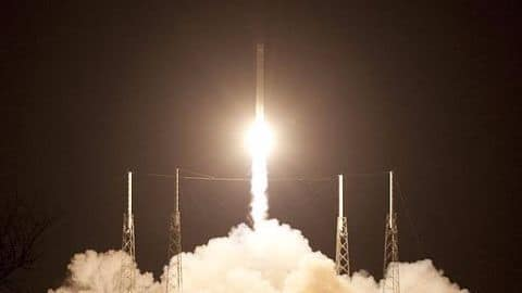 SpaceX successfully lands its Falcon 9 rocket