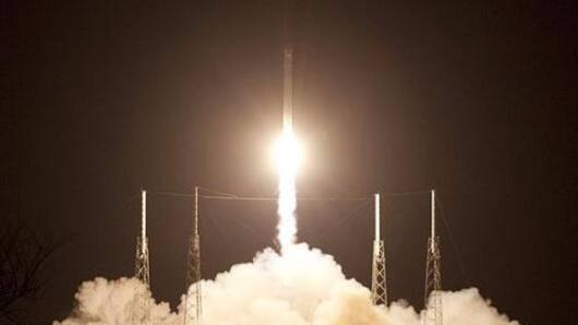 SpaceX paves the way for reusable rockets