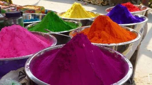 Chinese colors dampen local makers' Holi