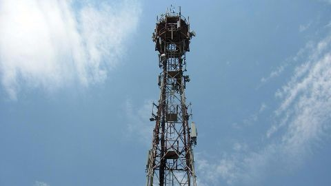 Airtel signs Rs.3,500 crore spectrum deal with Aircel