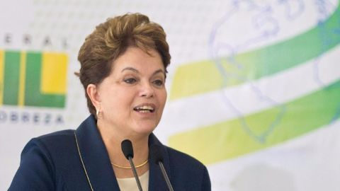 Congressional committee votes to impeach Rousseff