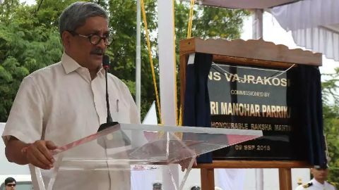 Parrikar embarks on a 5 day China visit