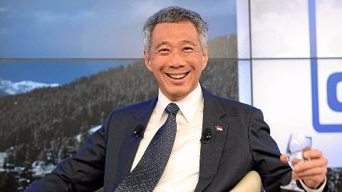 Singapore PM defends inrternet policy