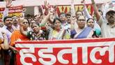Maharashtra: 17 lakh govt-employees on 3-day strike for salary hike