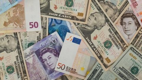 Foreign exchange reserves soar by $3 bn