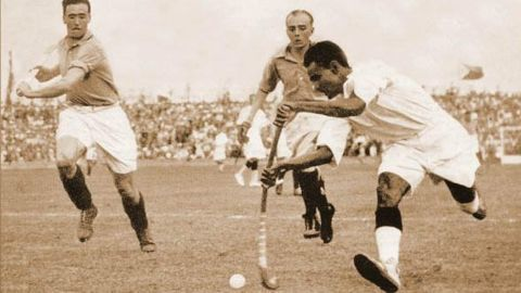 Hockey legends protest, demand Bharat Ratna for Dhyan Chand