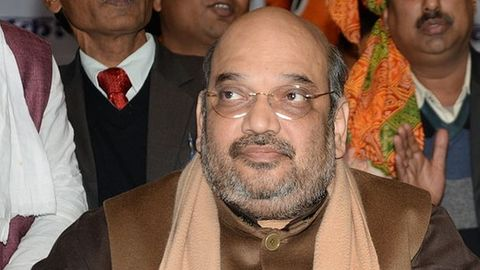 Raje calls Amit Shah to explain her position