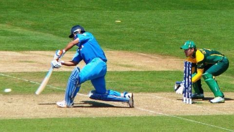 Story behind Dhoni's 'helicopter shot'
