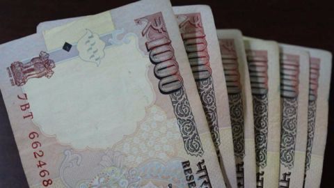 India's bank deposits cross Rs.100 trillion