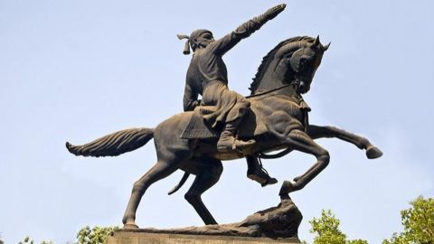 Grand Shivaji memorial to woo Marathi community