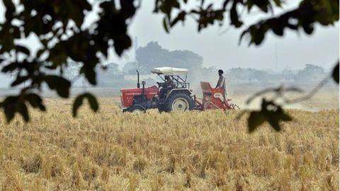 Farmers and traders hit by demonetization