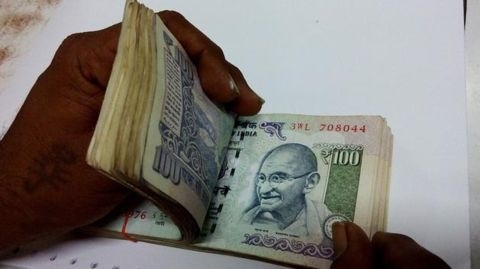 100 rupee notes popular with racketeers