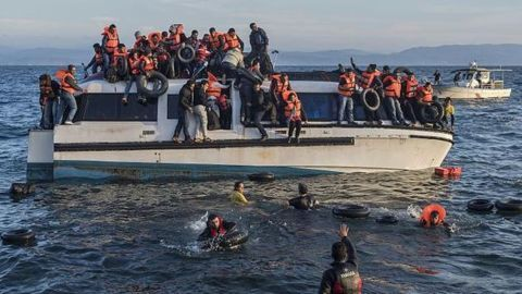 Record week for migrant rescues in Europe