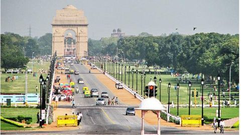 Colors float as rules flouted in Delhi