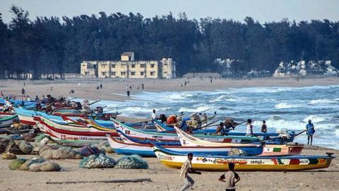 Tamil Nadu braces for cyclone Nada, state government on alert